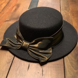 Black felt hat with olive green band